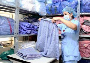 Quần áo bệnh nhân lưu kho