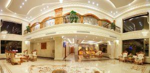 vệ sinh sàn khách sạn