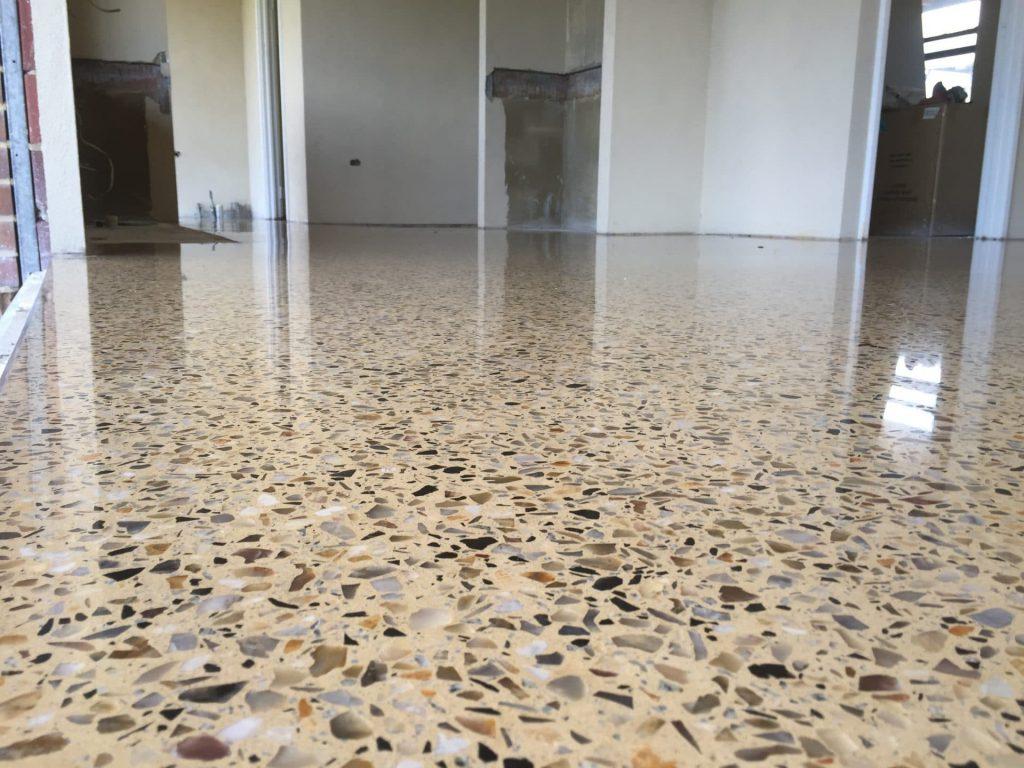 Phủ bóng sàn bê tông giúp tăng tuổi thọ của sàn và tính thẩm mỹ
